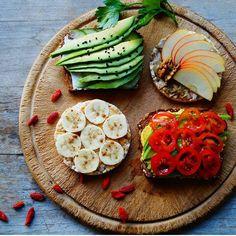 Fruta, verano, tostadas