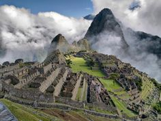 Funny pictures about Machu Picchu. Oh, and cool pics about Machu Picchu. Also, Machu Picchu photos. Places To Travel, Places To See, Travel Destinations, Dream Vacations, Vacation Spots, Vacation Club, Vacation Packages, Cruise Vacation, Maya Tempel
