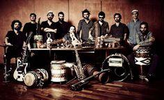 Uma rica mistura de afrobeat e música jamaicana, africana e jazz.