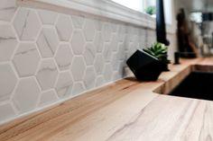 Modern Kitchen Reveal - A 6 Week Transformation! Image of hexagon tile backsplash Hexagon Tile Backsplash, Hexagon Tiles, Kitchen Backsplash, Backsplash Ideas, Diy Concrete Countertops, Concrete Tiles, Interior Decorating, Interior Design, Home Goods