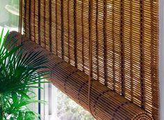 Bamboo curtains for window coverings in home interior Bamboo Beaded Curtains, Bamboo Blinds, Curtains And Draperies, Curtains Living, Outdoor Blinds, Outdoor Curtains, Living Room Interior, Home Interior, Store Venitien