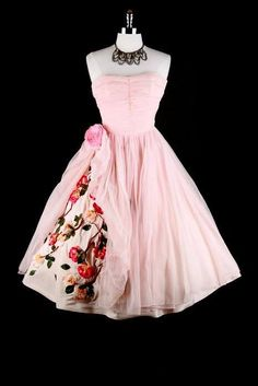 ~1950s pink dress~  //  white & rose // or red if the flowers at bottom of dress are red???