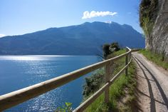 La #panoramica #strada del #ponale sul Lago di #Garda