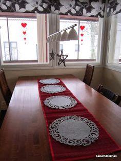 Sadunhohteinen Rugs, Home Decor, Farmhouse Rugs, Decoration Home, Room Decor, Home Interior Design, Rug, Home Decoration, Interior Design