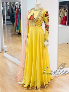 Western Dresses, Indian Dresses, Indian Outfits, Frock Fashion, Fashion Dresses, Anarkali Dress, Anarkali Suits, India Fashion, Indian Designer Wear