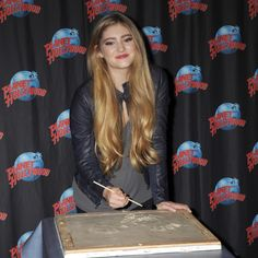 Willow Shields at planet Hollywood
