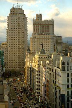 Final de la Gran Vía, llegando a Plaza de España (Madrid)