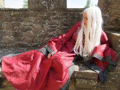 Vestido de Atemporalia para princesa Targaryen. Game of Thrones. Juego de Tronos.