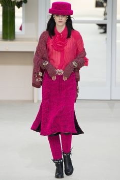 Chanel Fall 2016 Ready-to-Wear Fashion Show - Sarah Brannon (OUI)