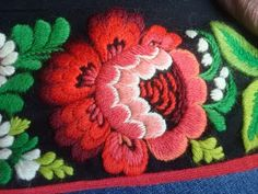 Swedish embroidery from Floda called : Påsöm  Just love it. Used to be a gift for a bride in ancient days