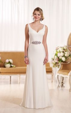 D1951 Modern Classic Wedding Dress by Essense of Australia