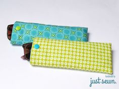 Tutorial for a quick glasses case - just sewn. Begginer Sewing Projects, Sewing Projects For Kids, Clutch Tutorial, Blue Sunglasses, Sunglasses Case, Nail Bags, Crafts To Make And Sell, Denim Bag, Upcycled Crafts