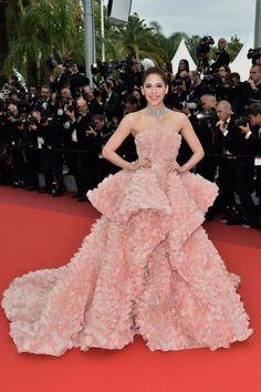 The 69th Festival de Cannes : เกาะติดแฟชั่นพรมแดงสุดปัง ณ เมืองCannes