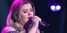 Kelly Clarkson Cries During Emotional American Idol Performance - Kelly Clarkson American Idol Season 15 Taylor Swift Facts, Taylor Swift Red, Country Music Artists, Country Music Stars, Kelly Clarkson American Idol, Prince Royce, Scotty Mccreery, Keith Urban, Dancing With The Stars