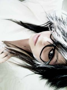 New silver and black hair like the glasses too