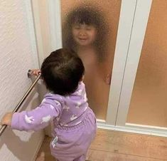 Discover recipes, home ideas, style inspiration and other ideas to try. Korean Babies, Asian Babies, Funny Video Memes, Cute Memes, Cute Funny Babies, Cute Kids, Text Jokes, Ulzzang Kids, Baby Memes