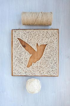 Modern bird, hummingbird silhouette minimalist string art autumn, fall wall décor for living room, nursery or any other space, great gift for birthday or Christmas. This flying hummingbird wall art will look great at any room you plan to place it in. It can be easily hanged vertically