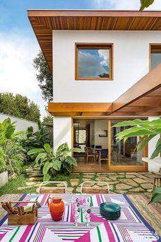 Revista Arquitetura e Construção - Criação de pátio interno trouxe luz ao sobrado