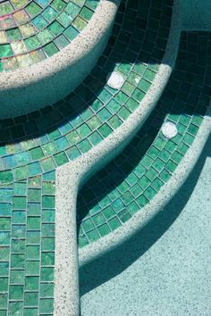 Pool steps with glass tile & quartz plaster Glass Pool Tile, Pool Tiles, Pool Steps, Pool Remodel, Tuile, Dream Pools, Exterior, Cool Pools, Awesome Pools