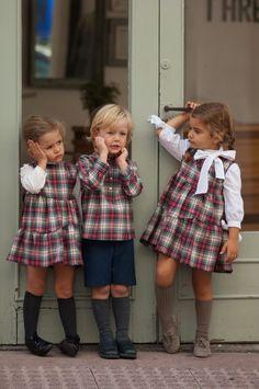 No Sin Valentina Little Girl Outfits, Little Girl Fashion, Toddler Fashion, Kids Outfits, Tartan Fashion, Fashion Moda, Boy Fashion, Toddler Girl, Baby Kids