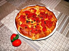 "Torta salata tipo ""caprese"" - ricetta vegetariana - semplice (Antipasto o secondo) - YouTube"