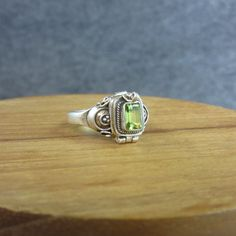 Vintage, Sterling Silver, Peridot, Poison Ring, Box ring, Secret ring, India, Bali, Compartment, green by BonfireStudio on Etsy