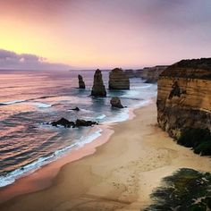 Sunset - Great Ocean Road - stunning pic @tooofife #greatoceanroad #twelveapostles #sunset #sunrise_sunsets_aroundworld #lovewhereyoulive #torquay #oceanlover #australia by beach_butterflygirl