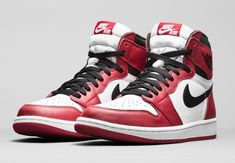 new concept d5421 ea9fc Air Jordan 1 High OG  Varsity Red  Air Jordan Skor, Nike Air Jordans