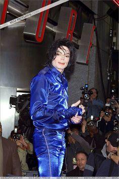 Invincible,Virgin Megastore,NY 2001