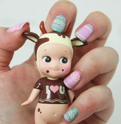 Love nails  <3 but what the heck kind of toy is that