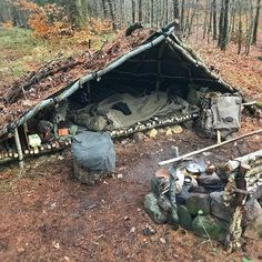 outdoor survival camping survivalism living in autarky nature travel forest Bushcraft Camping, Camping Survival, Survival Shelter, Survival Life, Wilderness Survival, Camping And Hiking, Outdoor Survival, Survival Prepping, Camping Ideas