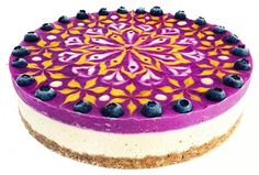 The beautiful and colorful mandalas of American Stephen McCarty, specialized in designing vegan cakes and pastries. Some amazing creations as appetizing as psyc