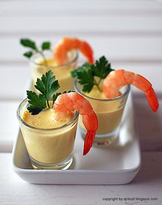 Shrimp with pineapple curry sauce
