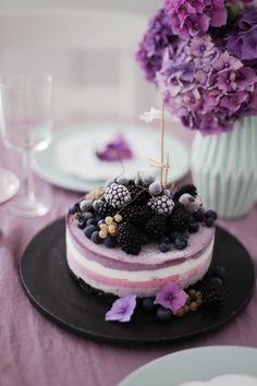 gefrorener Beeren-Oreo-Cheesecake und Brombeer-Joghurt-Eis