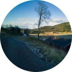 Kjempefin sykkeltur rundt Hillestadvannet på ca 13km på variert underlag. Alt fra asfalt til grov pokk gjør dette til en runde med utfordringer for de fleste tursyklister. Returen fra Hillestad... Klikk på bildet for full beskrivelse Activities, Circuit, Summer, Pictures