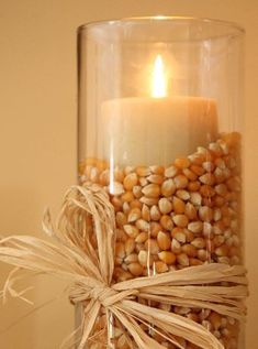 Thanksgiving Decor Ideas For The Upcoming Holiday Season These Thanksgiving decor ideas are great for the approaching holiday to get you in the spirit. Check out these decor ideas for this thanksgiving! Thanksgiving Diy, Diy Thanksgiving Decorations, Cheap Fall Decorations, Thanksgiving Celebration, Popcorn Decorations, Fall Harvest Decorations, Seasonal Decor, Thanksgiving Tablescapes, Thanks Giving Table Decorations