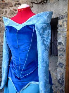 Traje de belleza durmiente Aurora vestido antiguo por liliemorhiril …