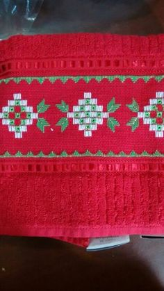 1 million+ Stunning Free Images to Use Anywhere Swedish Embroidery, Hardanger Embroidery, Embroidery Patterns, Bargello Patterns, Free To Use Images, Embroidery For Beginners, Christmas Cross, Diy And Crafts, Cross Stitch