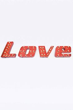 """Kare – Wandbeleuchtung """"Love"""" - Urban Outfitters"""