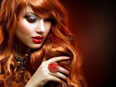 MEN always fantasice beautiful women.A beautiful woman, just like any other woman, also loves challenges. ITS very hard to win hearts of beautiful women but to keep them as your … Wavy Hair, Red Hair, Long Hair, Stock Foto, Cool Hair Color, Hair Colour, Stylish Girl, Stylish Men, Girl Photography