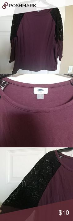 *2 for $15* Old Navy Top Old Navy long sleeve top with lace arm cut-outs. Top is maroon in color and lace is black. Good used condition. No rips, stains or tears. Non-smoking home.  ***Bundle with anothet qualifying 2 for $15 item and send me an offer to get this special pricing!*** Old Navy Tops Tees - Long Sleeve