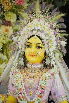 Krishna Statue, Krishna Art, Hare Krishna, Shree Krishna Wallpapers, Srila Prabhupada, Radha Rani, Radha Krishna Pictures, Hinduism, Princess Zelda