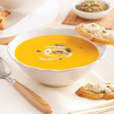Velouté de courge Butternut et pommes, croûtons au chèvre - Recettes - Cuisine et nutrition - Pratico Pratique What You Eat, Soul Food, Squash, Food And Drink, Eggs, Pudding, Cooking, Breakfast, Desserts