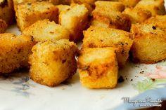 Mandioca Frita Cremosa (ou assada), perfeito para um petisco de final de semana. Clique na imagem para ver a receita no blog Manga com Pimenta.
