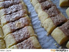 Cikánské cukroví Czech Recipes, Ciabatta, Banana Bread, Baking, Cake, Food, Homeland, Embroidery, Fine Dining