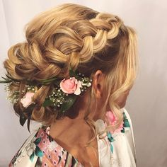 It was so fun creating this updo with woven flowers for Holly yesterday! Congratulations! I wish you all the best forever . . . . #kellgrace #hair #updo #bridalhair #braid #braidedupdo #salon #parkave #style #fashion #bigday #weddingday #neumabeauty #modernsalon #behindthechair #americansalon #winterparkfl