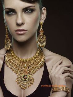 heavy-gold-necklace-with-earrings