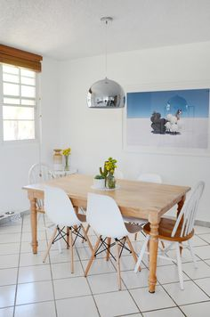 """I see """"decor"""" but not """"hunter"""".  Is it just me? http://feeds.apartmenttherapy.com/~r/apartmenttherapy/main/~3/JJvdxNcXads/house-tour-a-minimal-zen-puerto-rico-home-238715"""