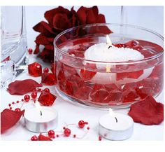 Tea Lights, Panna Cotta, Candles, Ethnic Recipes, Food, Heart Pictures, Decorating Ideas, Red Rose Petals, Small Candles