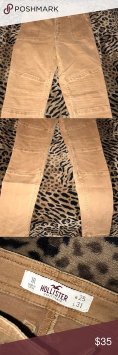 Hollister High Waisted Pants! Tan color worn once! Tight on curves and looks great. Size 1R Hollister Pants Skinny